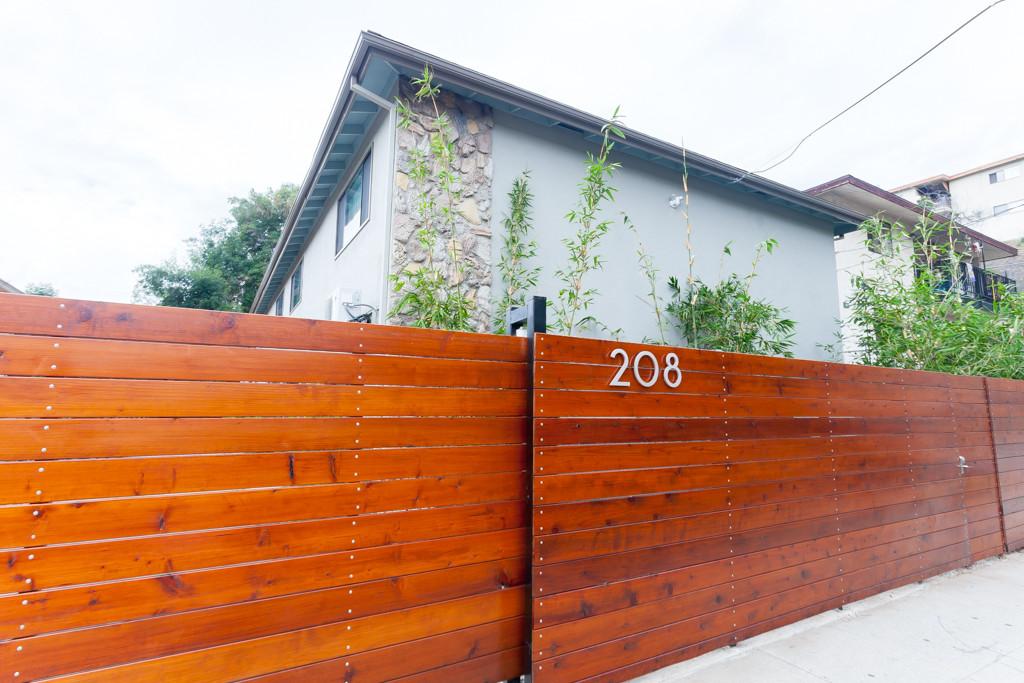 208 S Avenue 58 exterior