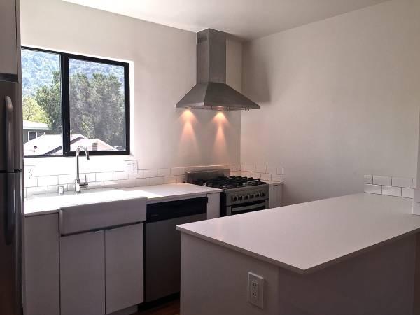 leslie kitchen